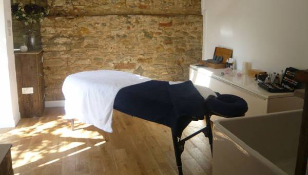 how to become a massage therapist in ireland